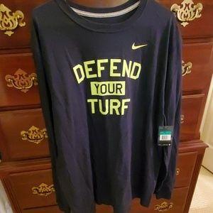"Nike Black Long Sleeve T-shirt ""Defend your turf"""